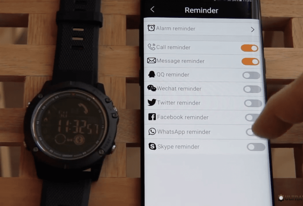 Ultrawatch Z with iPhone and Android app connectivity